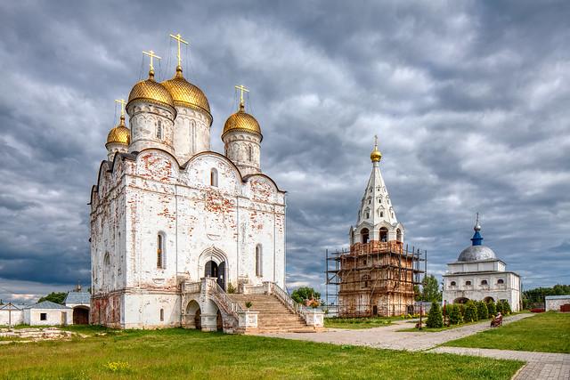 Luzhetsky monastery (Mozhaysk, Russia)
