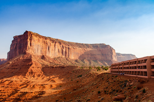 Monument Valley - Navajo Territory - Utah   by Julien   Quelques-notes.com