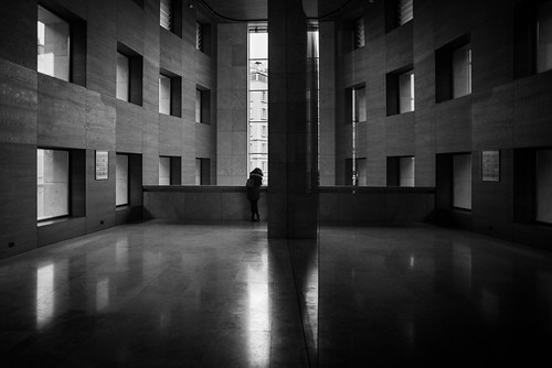 2019 20mm bw d750 galatasaray nikon voigtländer yapıkredi architecture mirror people reflection symmetry windows istanbul
