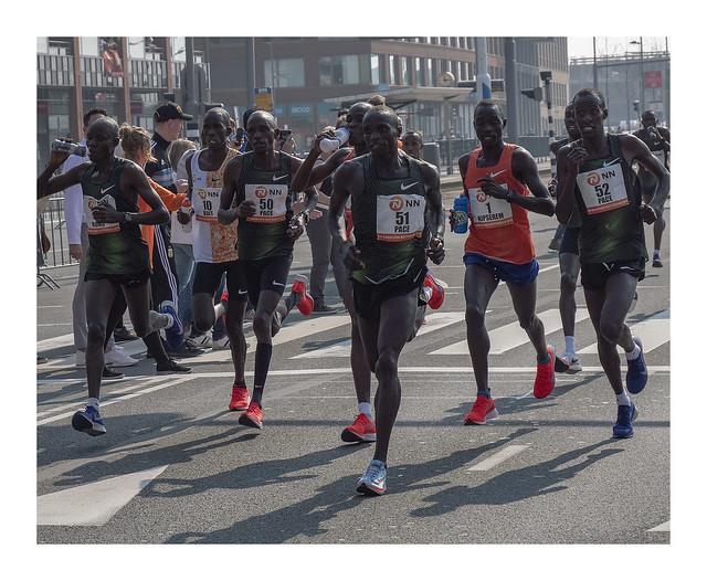 Rotterdam marathon 2019 - pacing the leader