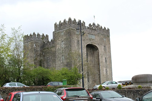 bunrattycastle castles bunratty countyclare ireland shoppingtrips