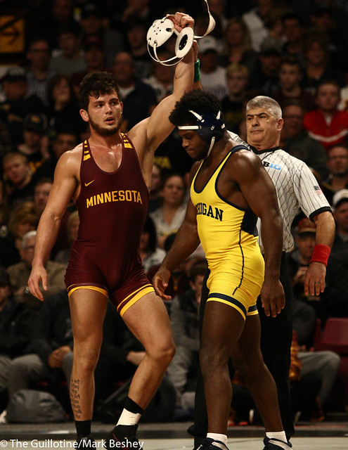 Semifinal - Brandon Krone (Minnesota) 2-1 won by decision over Jelani Embree (Michigan) 0-1 (Dec 6-2) - 190310cmk0044