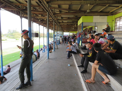 チェンマイ競馬場の軍人