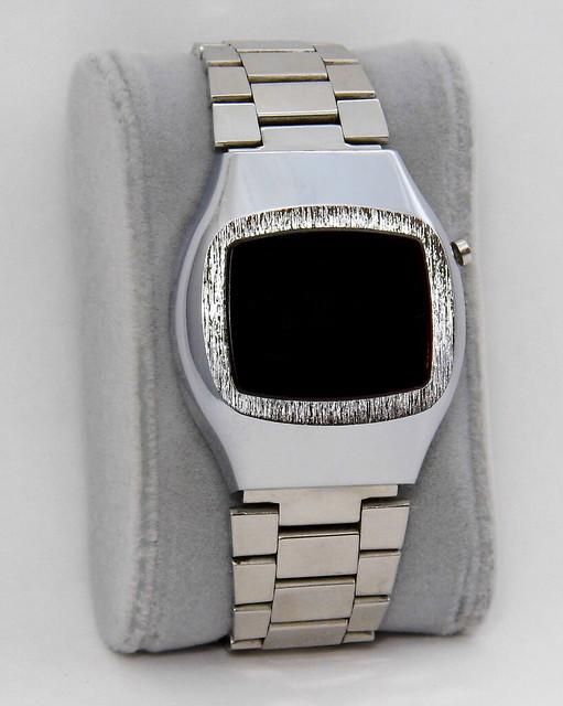 Vintage Men's Digital Quartz Watch, Red LED Display, Circa 1976
