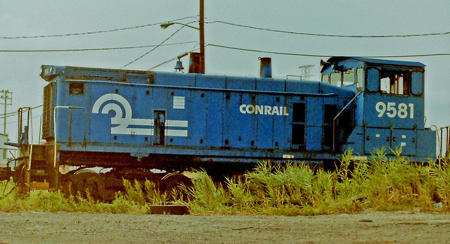 CONRAIL SW1500 Endcab Switcher Number 9581 in Elizabeth, New Jersey (1 of 2).