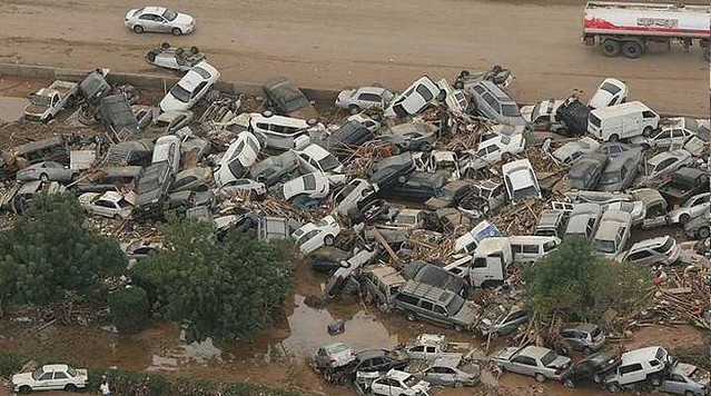 3883 Why Princes and Ministers are arrested in Jeddah Flood Case 2009