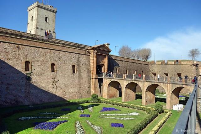 Castell de Montjuïc: Historias y panorámicas