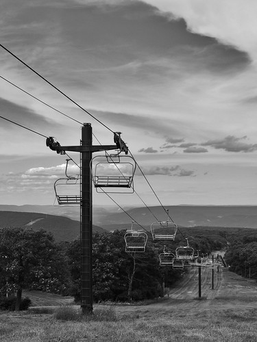 blue knob blueknob state park clouds trees scenic scenery landscapes view pa pennsylvania bedford county georgeneat patriotportraits neatroadtrips neat blackwhite bw ski mountain