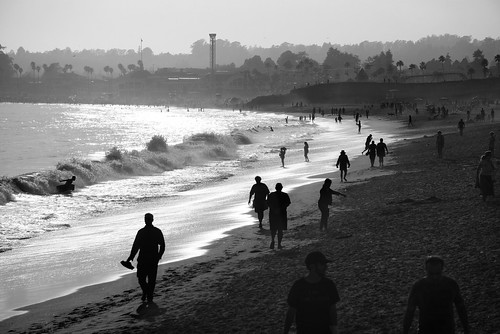santacruz california usa boardwalk themepark park people silhouette silhouettepeople outdoor evening dusk clear cityscape sunset water ocean beach sea sand shore pacific pacificocean coast city sky serene monochrome blackandwhite sony a6000 sel55210 1xp raw photomatix hdr qualityhdr qualityhdrphotography fav200