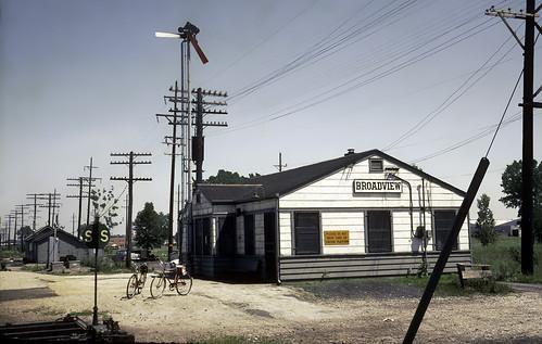 broadview ic illinoiscentral railroad train depot