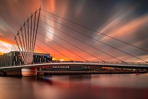 salford england unitedkingdom gb itv studios longexposure firecrest sunset still stormerik asymmetriccable canal ilce7rm2