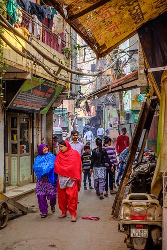 Color in Motion | Paharganj, Delhi, India | by t linn