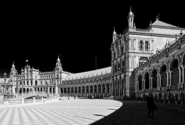 Central Pavilion Building - Plaza Espana built 1928 (Seville - Spain) (High Contrast BW) (Olympus OM-D EM1-II & M.Zuiko 12-40mm f2.8 Pro-Zoom)