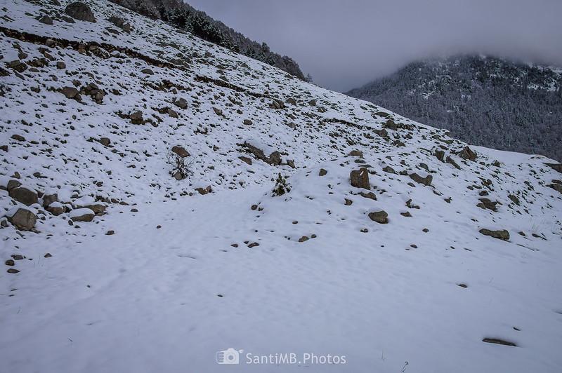 Camino a la Val de Conangles desde el GR-211.