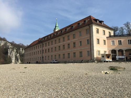24 - Vor dem Kloster Weltenburg