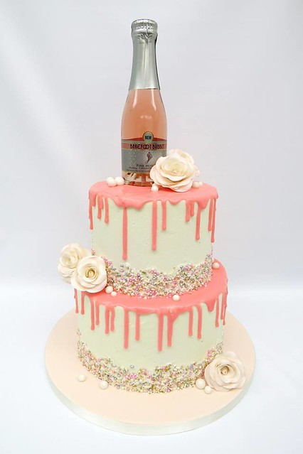 Cake by Sweet Tea Cakes
