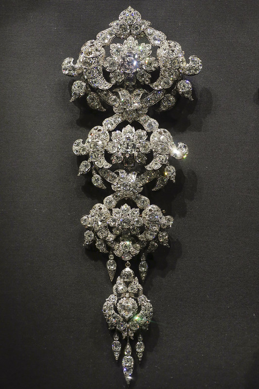 Diamond stomacher, England, London, 1854, made by R. & S. Garrard & Co.