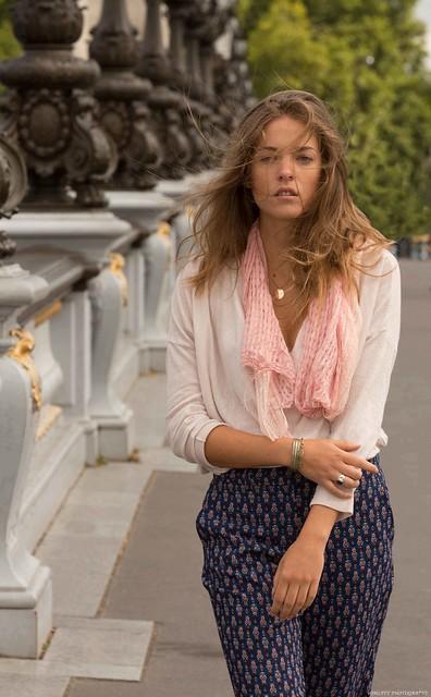 Coline -Pont Alexandre III - Paris - 1L8A1764