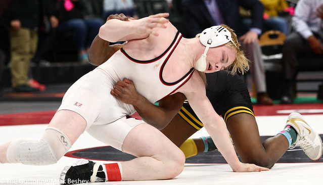 126AAA 5th Place Match - Martin Stewart (Apple Valley) 25-9 won by decision over Bryce Dagel (Eden Prairie) 34-9 (Dec 8-4) - 190302cmk0062