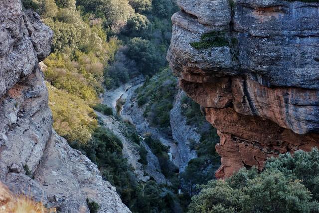 Abrupt path to the hermitage of Saint Cristóbal. Aniés (Huesca, Spain)