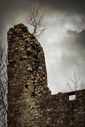 lochwood tower clans johnstone ruin castle