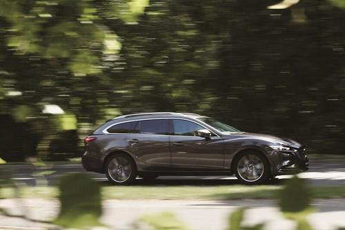 圖二:全新導入的Mazda6 Wagon 2.5 旗艦進化型,搭載全新Skyactiv-G 2.5L高效汽油引擎,讓駕駛者享受敏捷動力所帶來的適心快意 | by nick lan