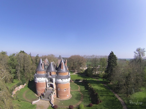 Kite Aerial Photography on Chateau de Rambures | by Pierre Lesage