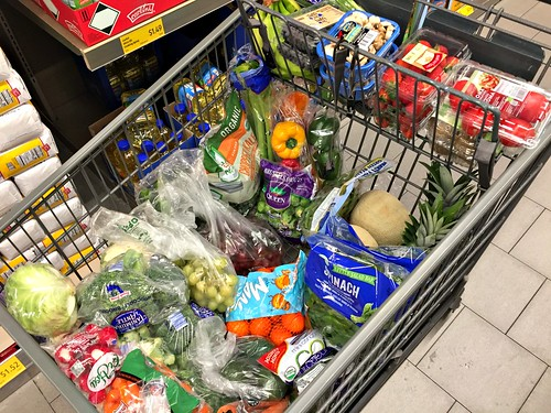 how to spend less at Aldi