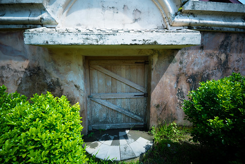 hobbit door | by ChrisThompsonTLDR