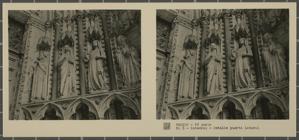 Detalles decorativos de una de las puertas de la Catedral. Colección de fotografía estereoscópica Rellev © Ajuntament de Girona / Col·lecció Museu del Cinema - Tomàs Mallol