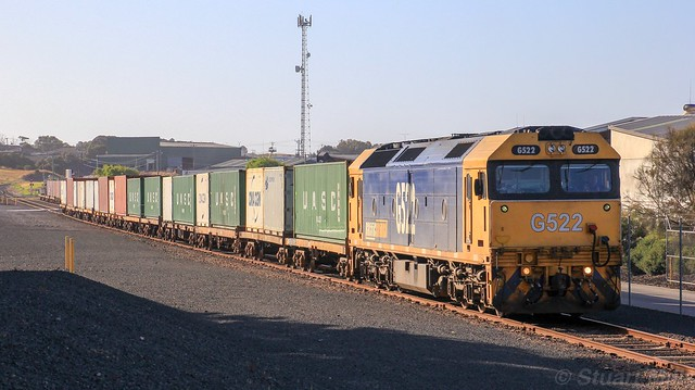 G522 at the end of the line to shunt wagons around the WestVic yard