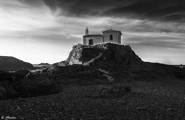 Hermitage in Black and White. Ermita en Blanco y Negro
