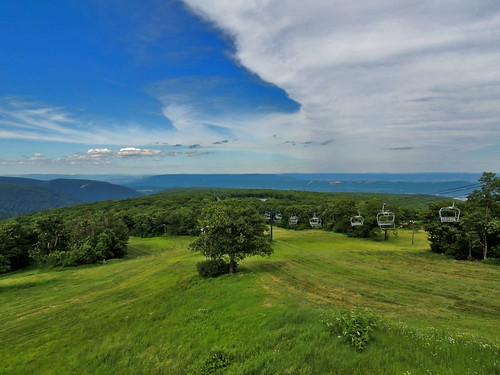 blue knob blueknob state park clouds trees scenic scenery landscapes view pa pennsylvania bedford county georgeneat patriotportraits neatroadtrips neat ski mountain