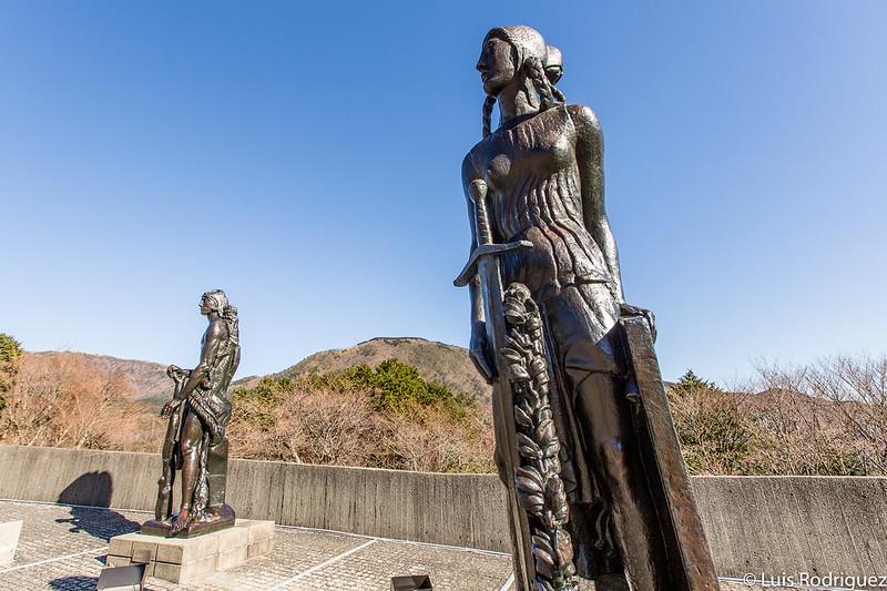 Grande Statue de la Force y Grande Statue de la Victorie