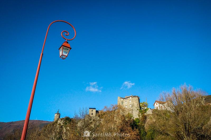 El Castella de Tarascon desde la orilla del Ariège