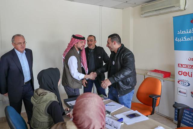 سمو الأمير الحسين بن عبدالله الثاني، ولي العهد، يقوم بزيارة مفاجئة إلى مديرية تشغيل عمان الأولى التابعة لوزارة العمل ويطلع على آليات وإجراءات استقبال طلبات الباحثين عن فرص عمل