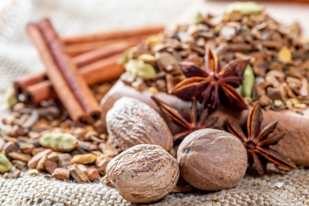 Nutmeg, cloves, cinnamon sticks, star anise and other spic… | Flickr