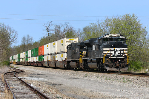 NS 215, Burgin,KY 4/10/2019 | by Bluegrass Railfan