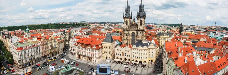 布拉格天文鐘鐘樓頂北、東向展望