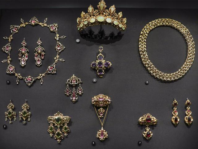 19th century jewellry