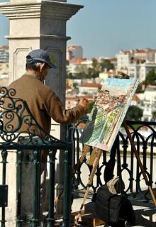 Painting Lisbon from São Pedro de Alcantara Belvedere
