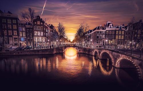amsterdam sunset canals keizersgracht leidsegracht netherlands cityscape