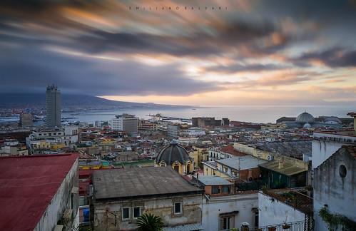 napoli sunrise alba cielo sky city città buildings palazzi longexposure nikond3100 campania golfo roofs tetti case clouds nuvole