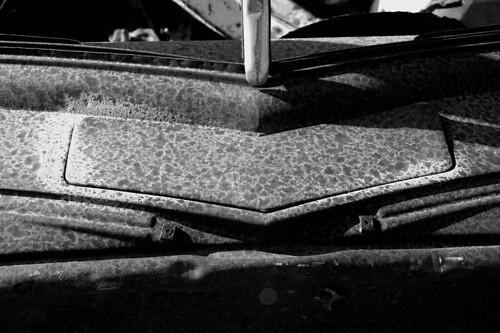 wrack autowrack schrottplatz carwreck oldtimer sw bw namibia