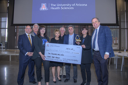 The College of Medicine – Tucson hosted a daylong event for basic scientists and clinicians to spur interdisciplinary collaboration. The event featured keynotes from experts, data blitzes, demonstrations and a shark tank competition.