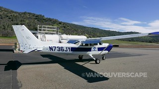 Oakhurst/AirBorrn Aviation   by Vancouverscape.com