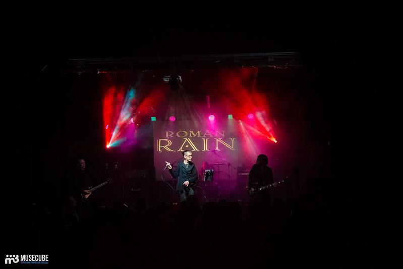 roman rain (120)