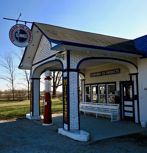Standard Oil Gas Station, Odell, IL