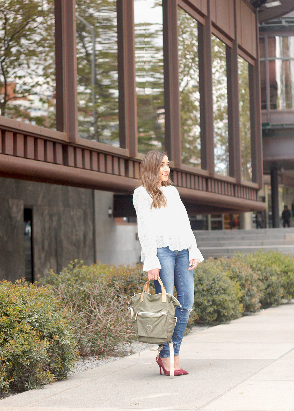 kipling backpack transformation collection khaki white lace blouse casual street style casual outfit 20196