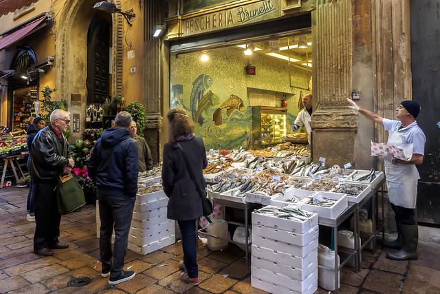 """Bologna (Italy) - Il """"quadrilatero"""" - Via Drapperie"""